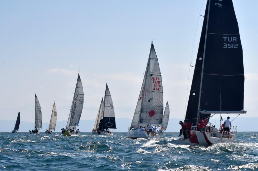 4. Deniz Kızı Ulusal Kadın Yelken Kupası'ndan Renkli Kareler 19