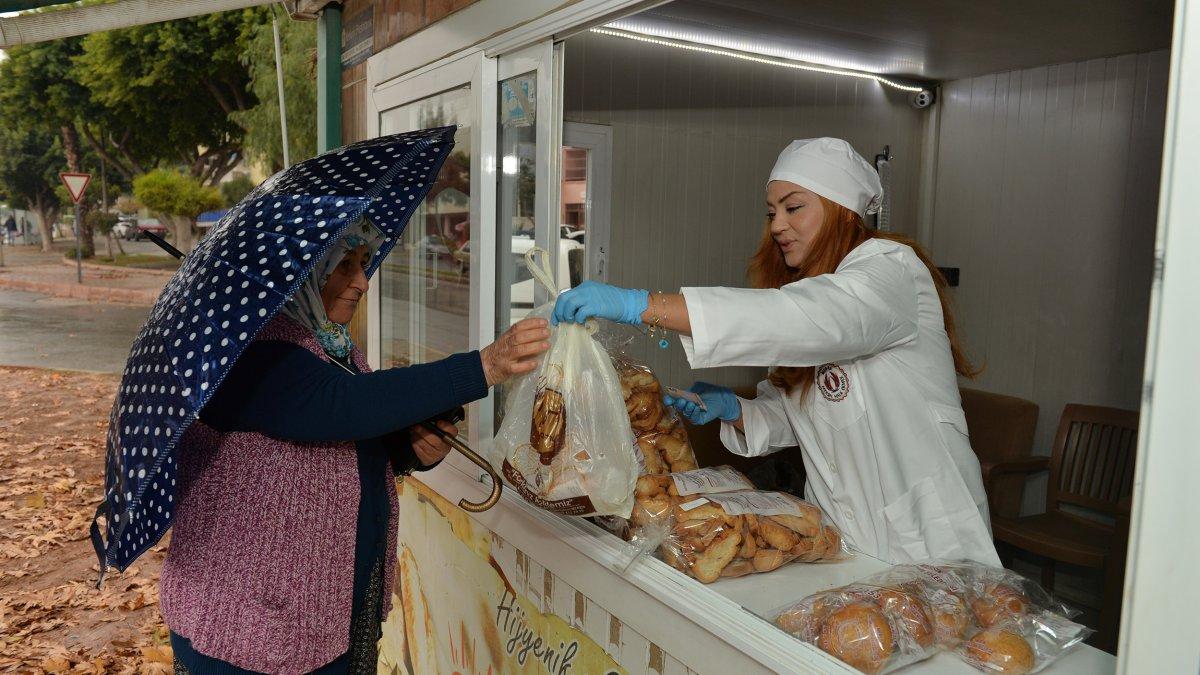 Mersin Büyükşehir Belediyesi MER-EK Halk Ekmek Büfeleri Kadınlara Emanet