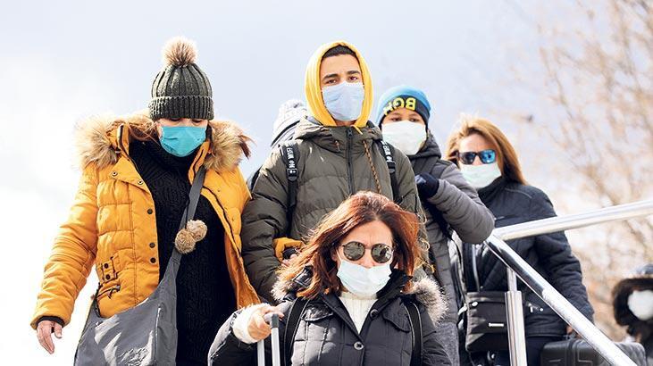 Pandemi günlerinde dayanışma çağrısı: Kadına şiddet korona dinlemiyor