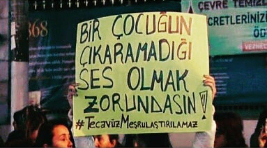 Türkiye ayağa kalktı, İAÜ o akademisyeni kovdu