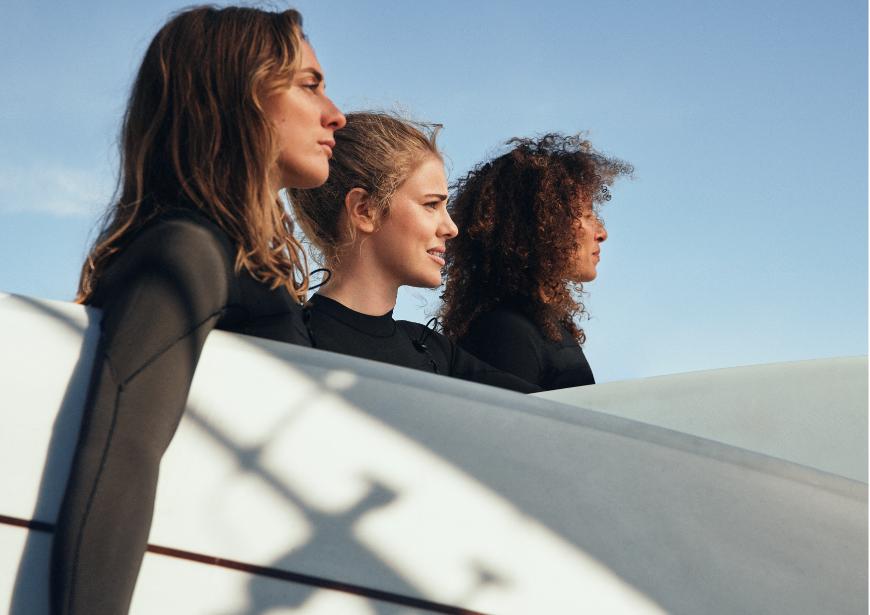 H&M ve Women+Waves güçlerini birleştirdi: Sürdürülebilir mayolar raflarda!
