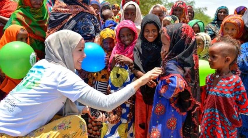Umuda Koşanlar Derneği ve mülteci çocuklar Gamze Özçelik'e ödül getirdi