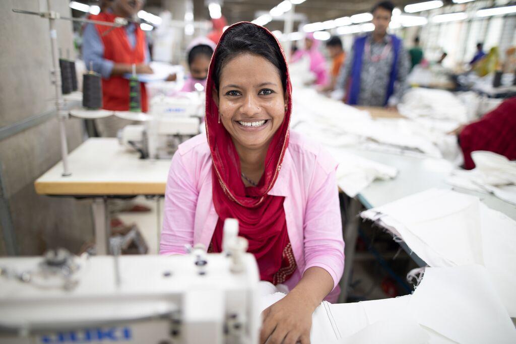 H&M kadın işçileri dev girişimle destekliyor