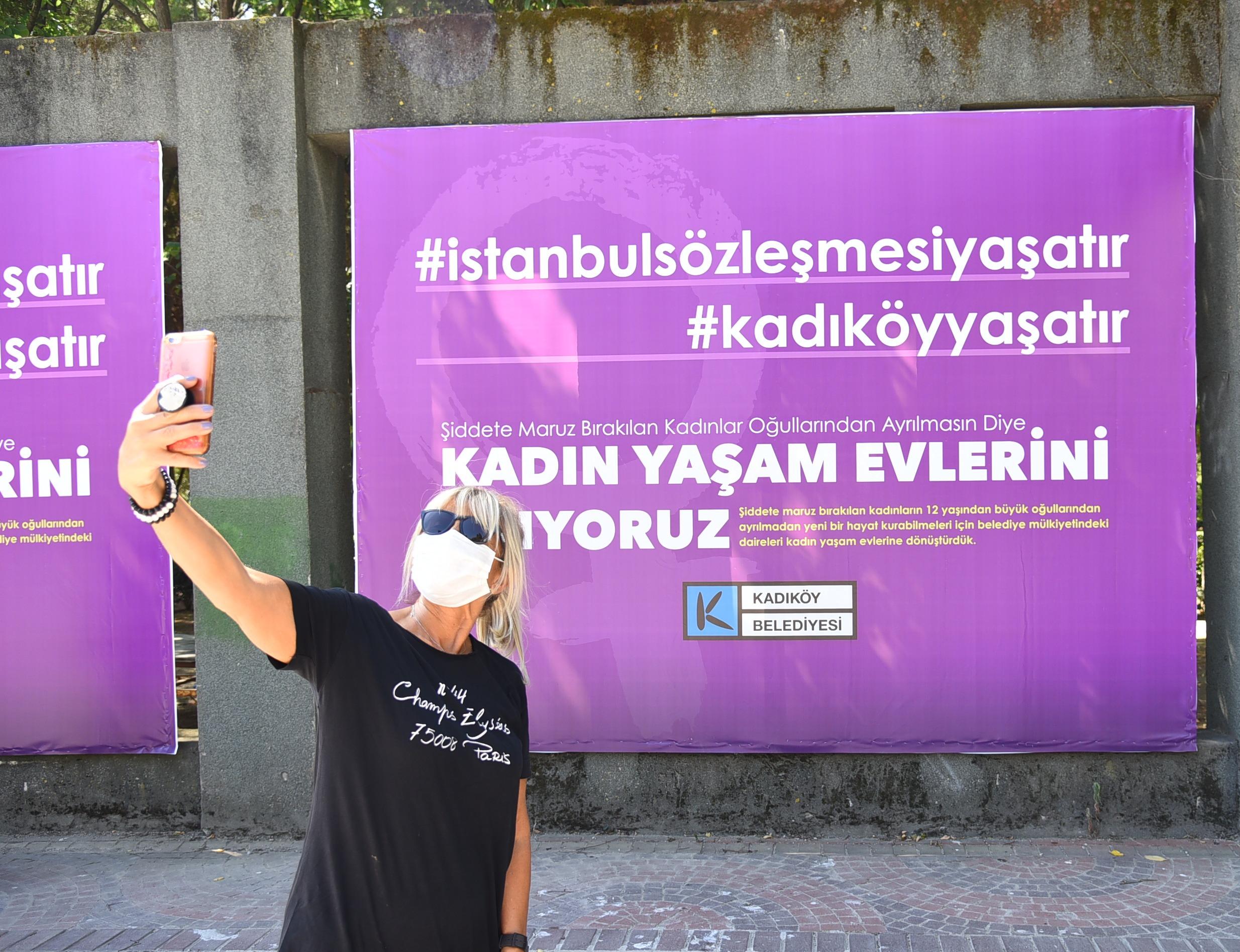 """Türkiye'nin ilk """"Kadın Yaşam Evi"""" Kadıköy'de açıldı!"""