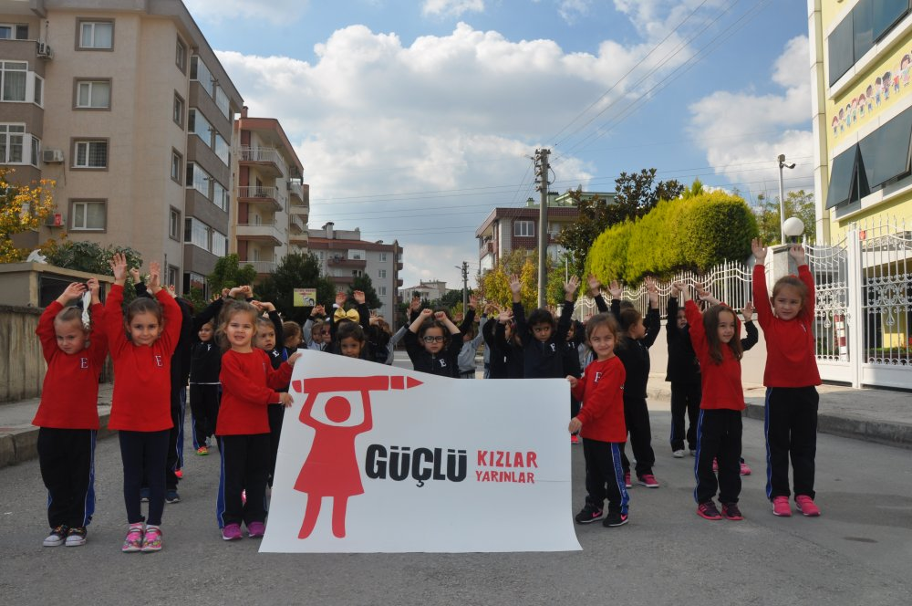 Genç iklim aktivisti Luisa Neubauer 6. Dünya Kız Çocukları Günü Konferansı'nda