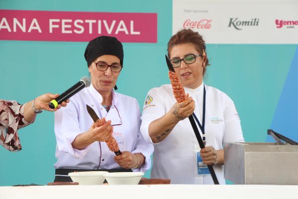 Türkiye'nin İlk Dijital Lezzet Festivali'nde kadın şeflerden kebap şov