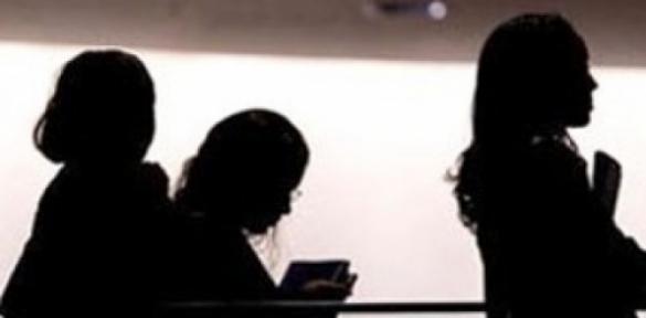 Toplam çalışma süresinin üçte ikisini üstlenen kadınlar, dünya gelirinin sadece yüzde 10'una sahip