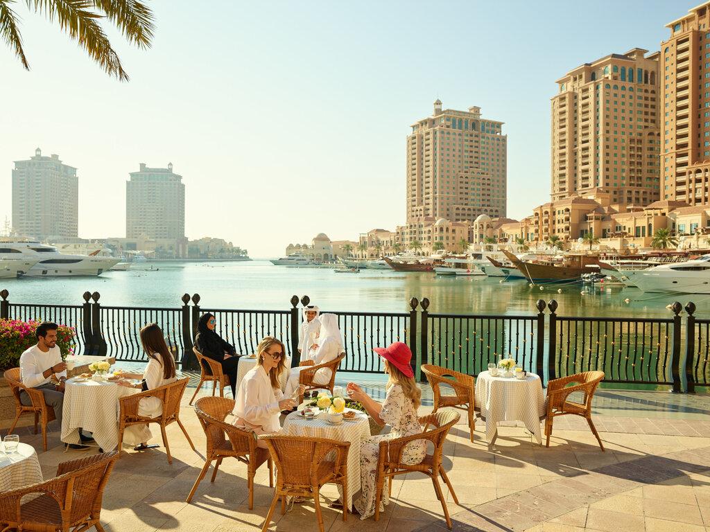Katar, ziyaretçilere kapılarını yeniden açtı