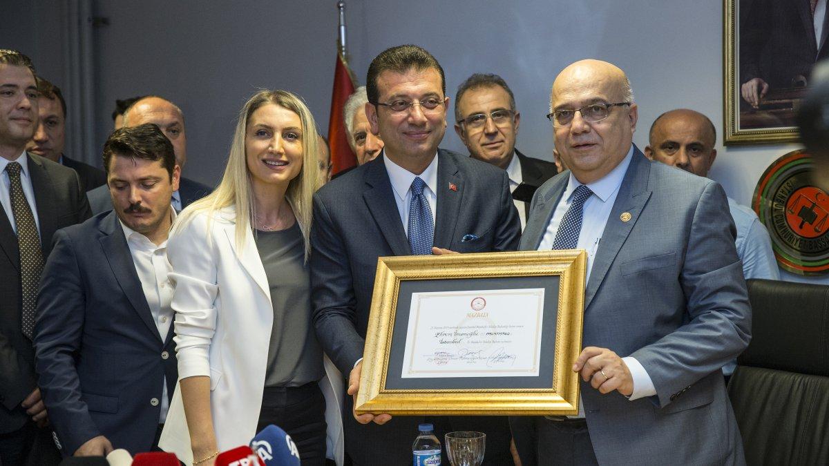 """İBB Başkanı Ekrem İmamoğlu mazbata mesajında """"Cinsiyet Eşitliliğine"""" değindi"""