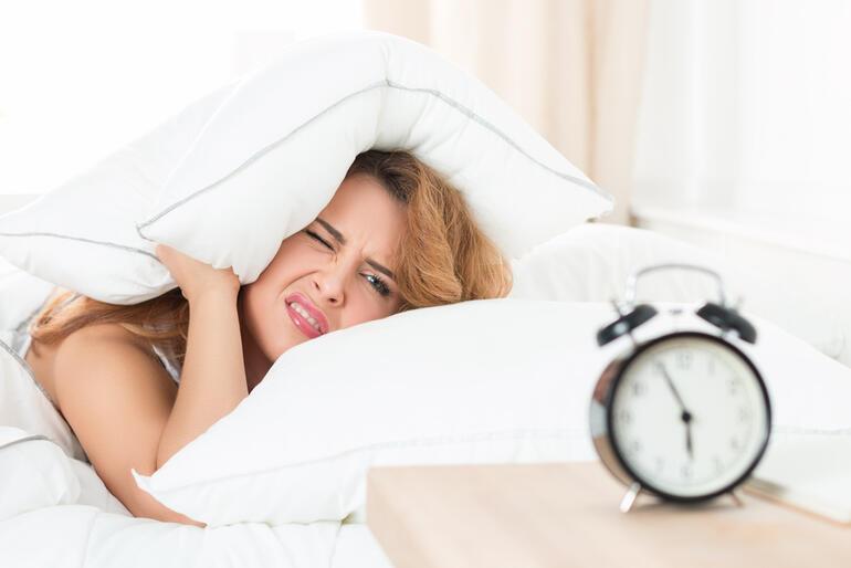 Sabahları kolay uyanmamıza neler yardımcı olur?