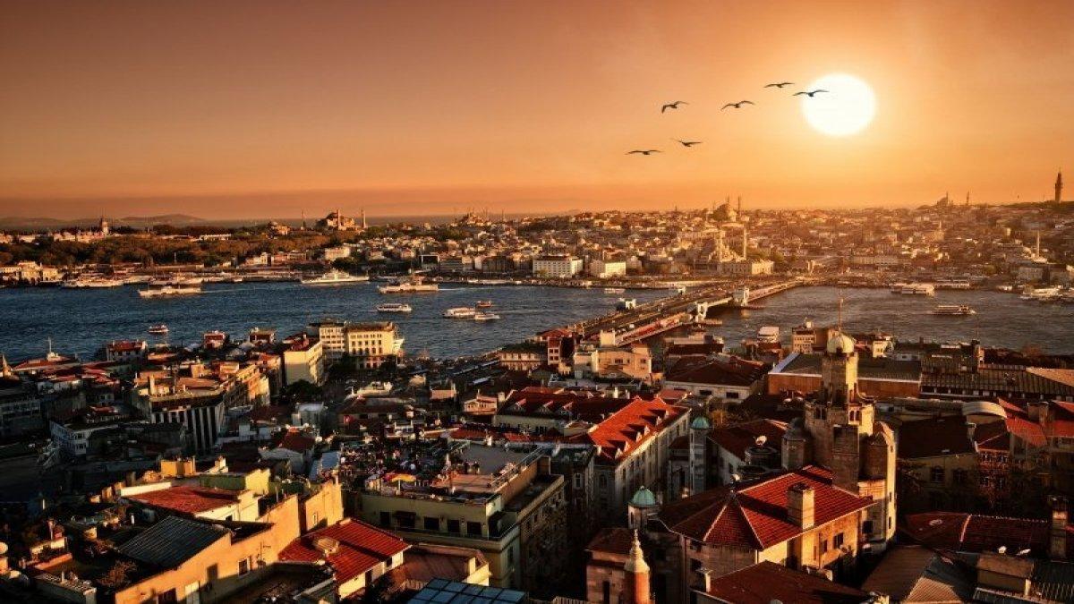 Gecesi Gündüzü Olmayan İstanbul'u Fotoğraflarda Yaşamak
