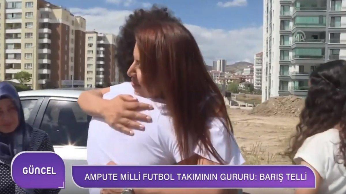 Milli Futbolcu Barış Telli'yle Öğretmeni 20 Yıl Sonra Yeniden Buluştu!