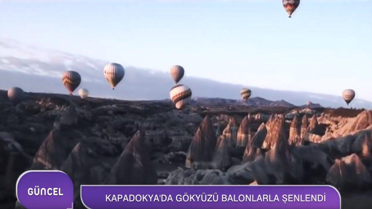 Farklı ülkelerden gelen pilotlar ile hava balonları gökyüzüne yükseldi