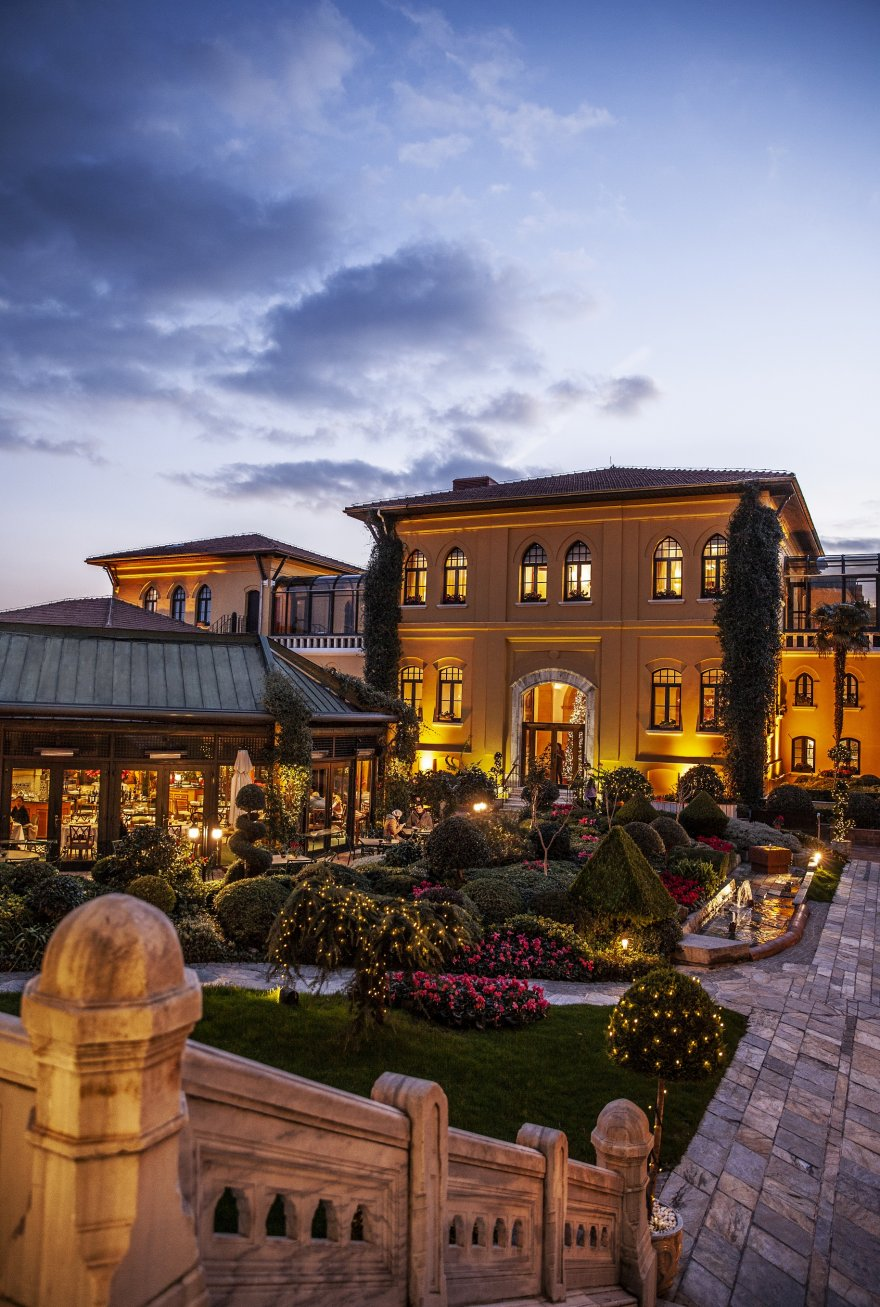 1574080943-four-seasons-hotel-sultanahmet.jpg