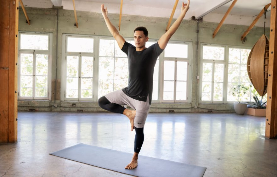 1585059813-nike-activities-health-yoga-01-original.jpg
