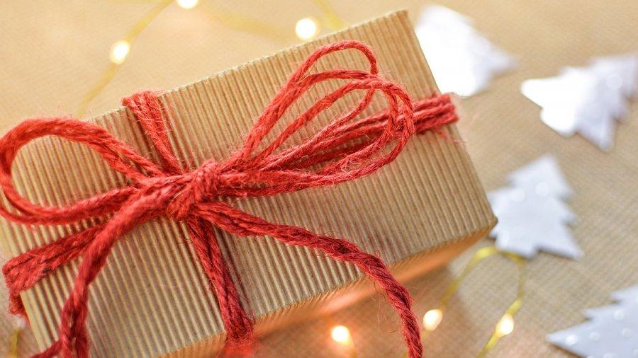 gift-2934858-1920-1.jpg
