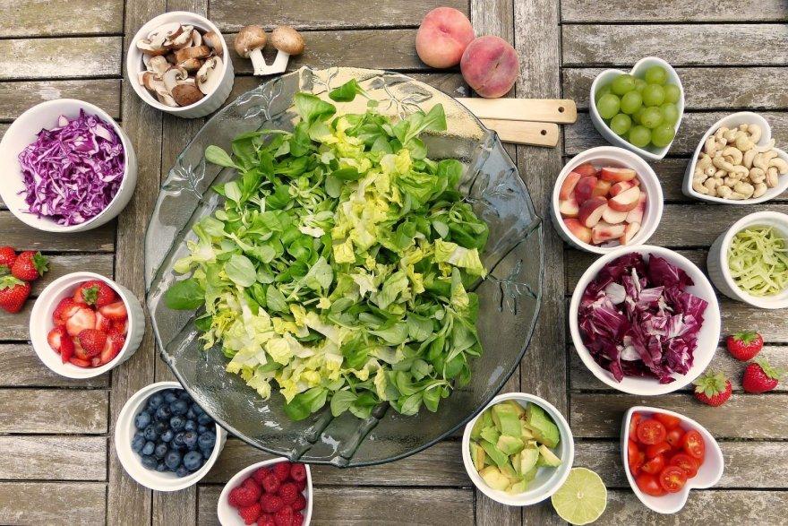 salad-2756467-1920.jpg
